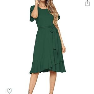 Dresses & Skirts - Women's casual & flowy green midi dress with belt